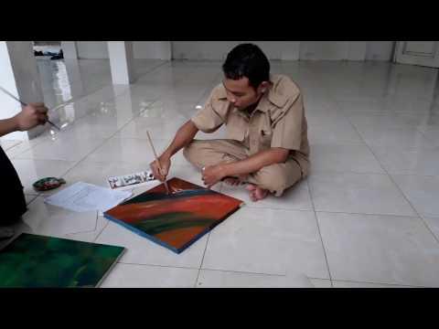 Download Video Melukis Kaligrafi di Kanvas dengan Cat Minyak bagian 1