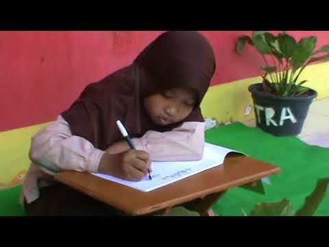 Download Video Menulis Khat Naskhi WAFA oleh NAYLA SAKINA SDIT Al Uswah Jatirogo Tuban 3