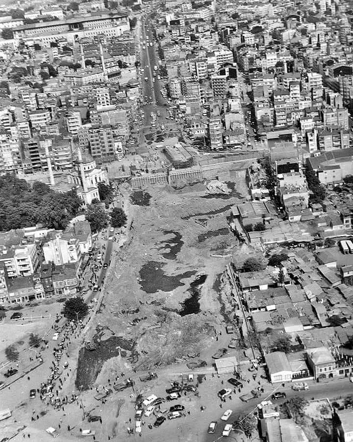 Aksaray alt geçiti inşaatı 1970…