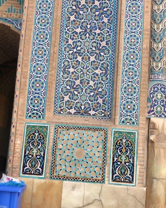 Karya Kaligrafi #mustseeiran #Yazd The Jāmeh Mosque of Yazd (Persian: مسجد جامع یزدThe  Masjid-e...- Ne Javaher 4