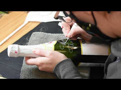 Download Video Holiday Custom Calligraphy Engraving on Glass Bottle 1