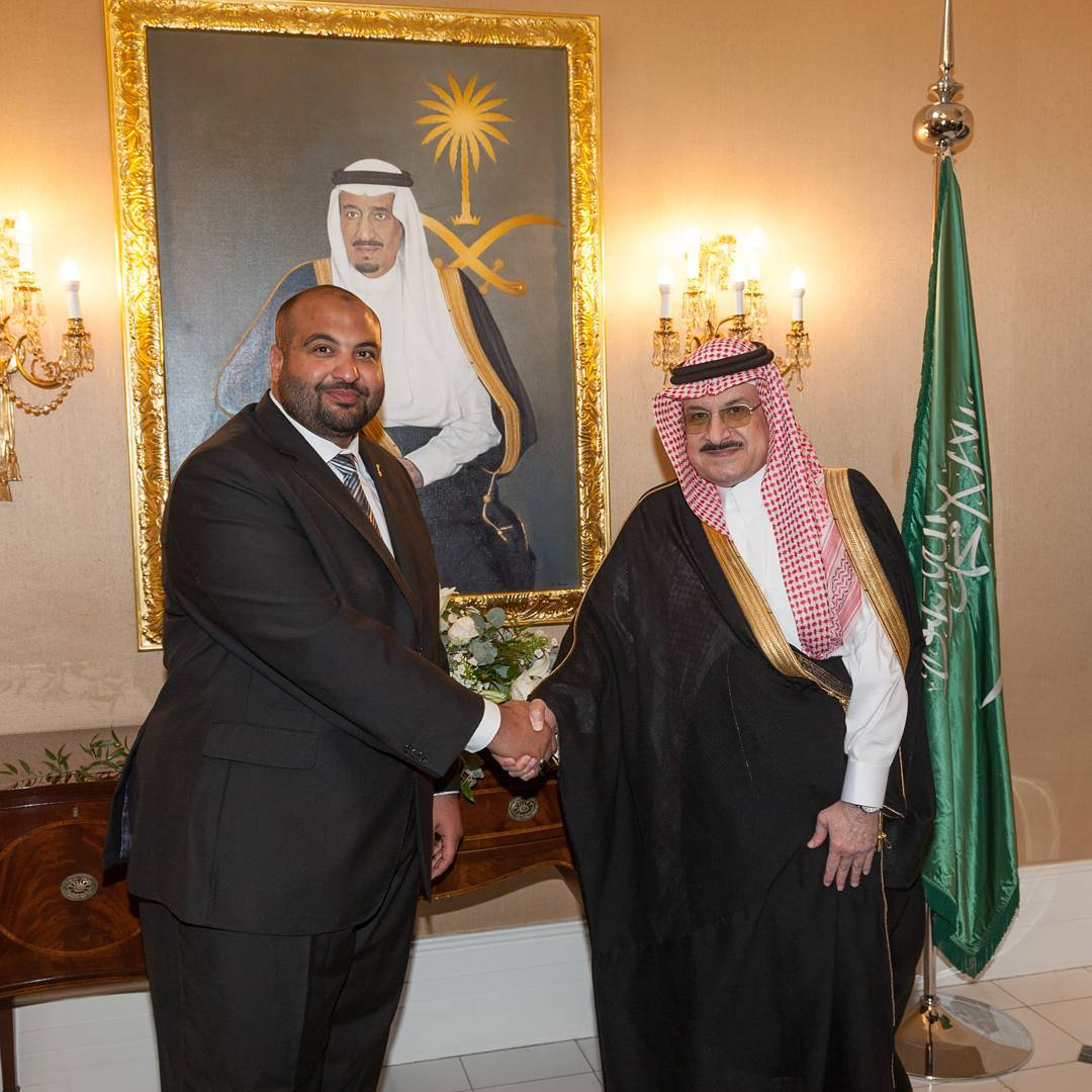 Khat Diwani Ajhalawani/Amr صورة تذكارية مع سفير المملكة العربية السعودية في المملكة المتحدة صاحب السمو المل… 77