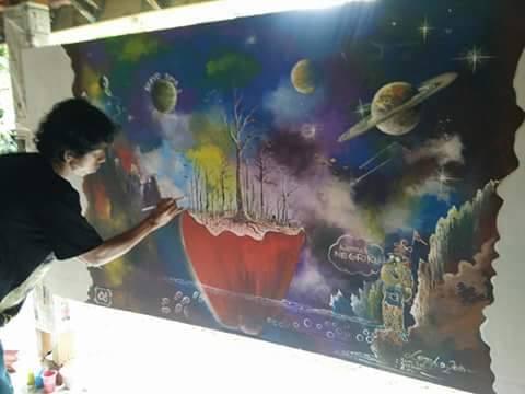 Kaligrafi Kontemporer Ustadz Poniman bersama santri angktan  2015 16.alifa.ummu..dalam komptisi mural..mkasi ya…sks… 43