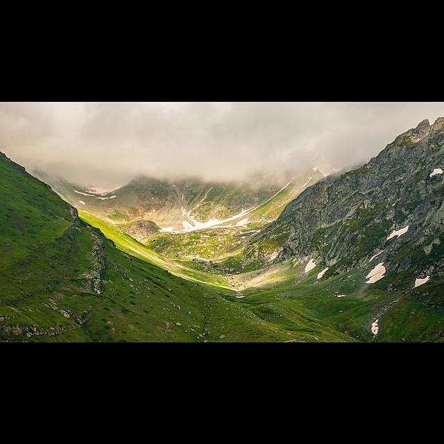 Donwload Photo Kaligrafi Kaçkar Dağları, Borçka, Artvin, Türkiye جبال قاجقار في منطقة بورجقا…- ozcay