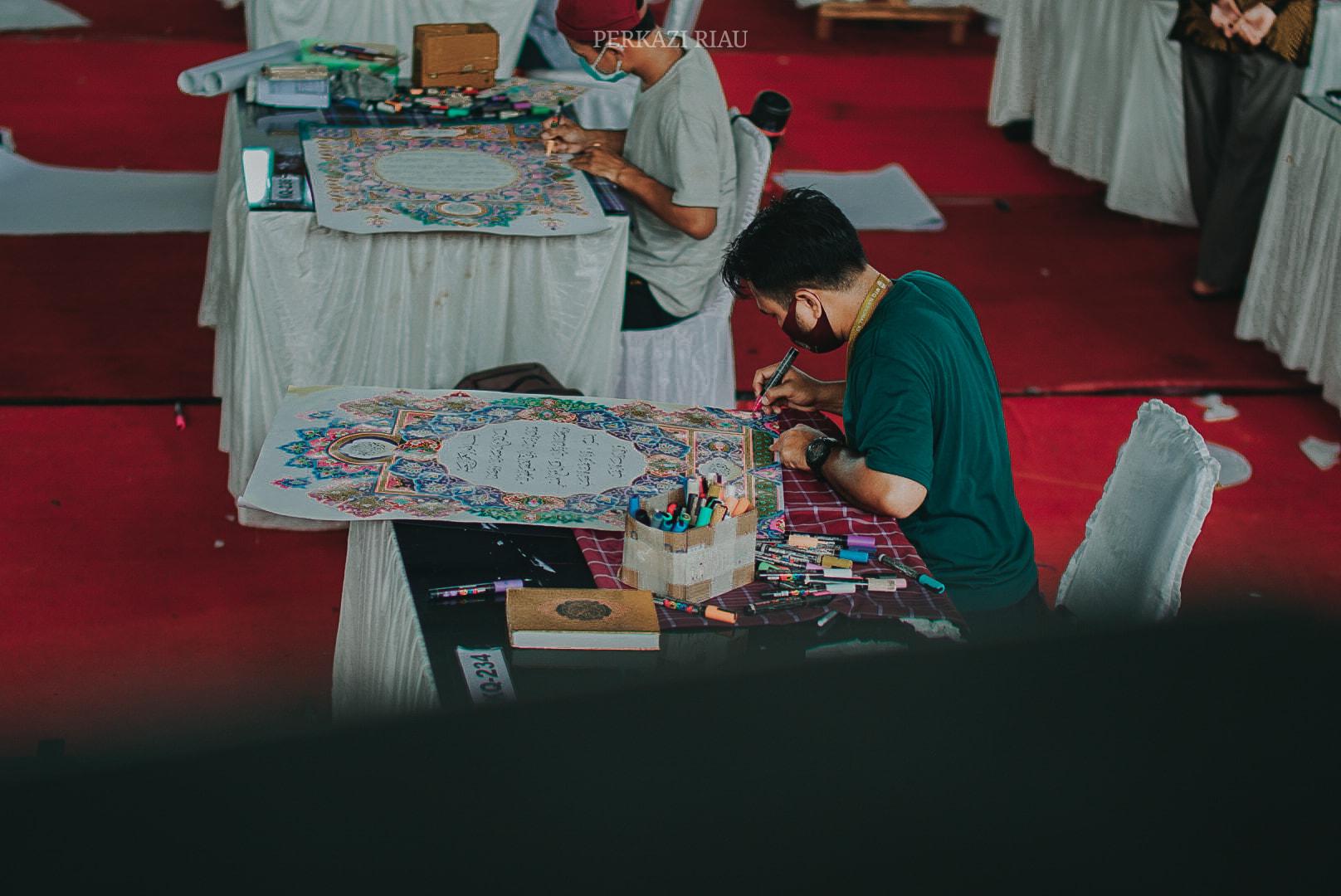 Download POTRET BABAK PENYISIHAN CABANG HIASAN MUSHAF HARI INI, WALAUPUN PARA PESERTA SEM... 5