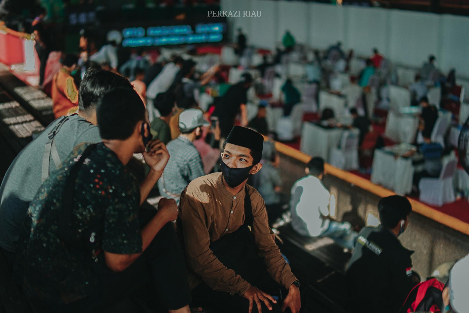 Download POTRET BABAK PENYISIHAN CABANG HIASAN MUSHAF HARI INI, WALAUPUN PARA PESERTA SEM... 4