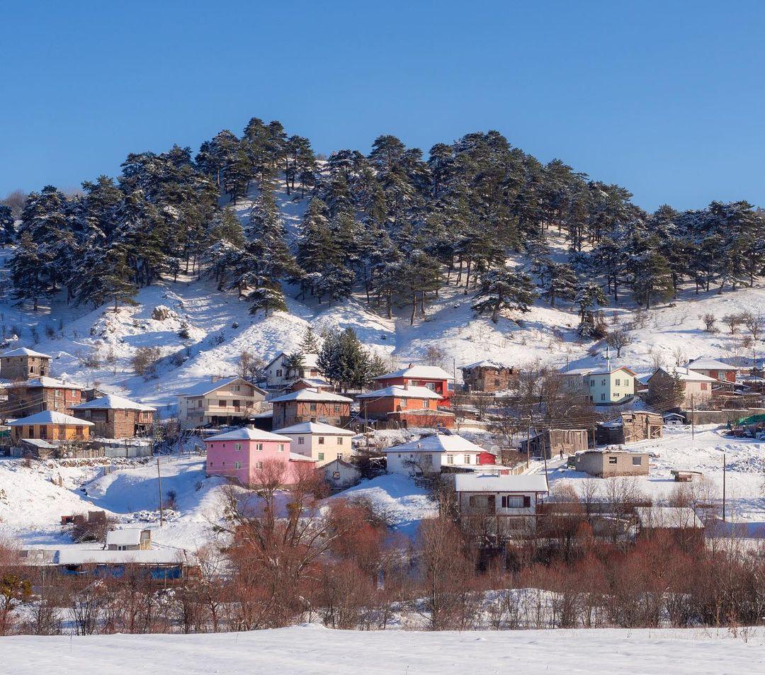 Donwload Photo Kaligrafi Geredede kış manzarası #kış #kar #köy…- Osman Ozcay