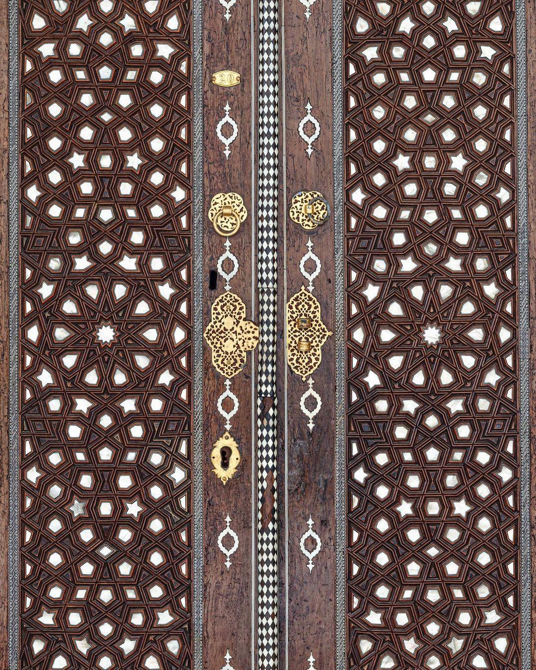 Donwload Photo Kaligrafi II.Selim Türbesi kapısı باب ضريح السلطان سليم الثاني…- ozcay