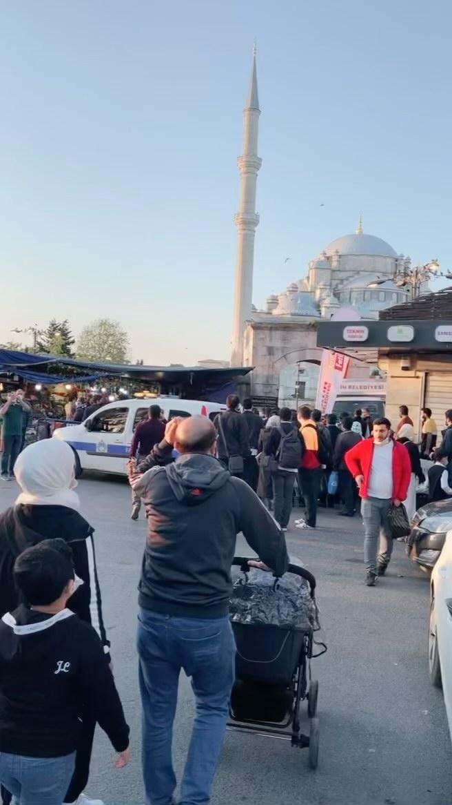 Khat Diwani Ajhalawani/Amr عيد الفطر ١٤٤٢ جامع الفاتح اسطنبول... 579 1