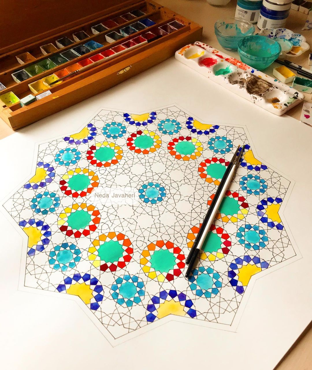 Karya Kaligrafi  در حال اجرا گره ترکیبی نه، ده، یازده، دوازده و سیزده در زمینه ی شمسه ده طرا…- Ne Javaher
