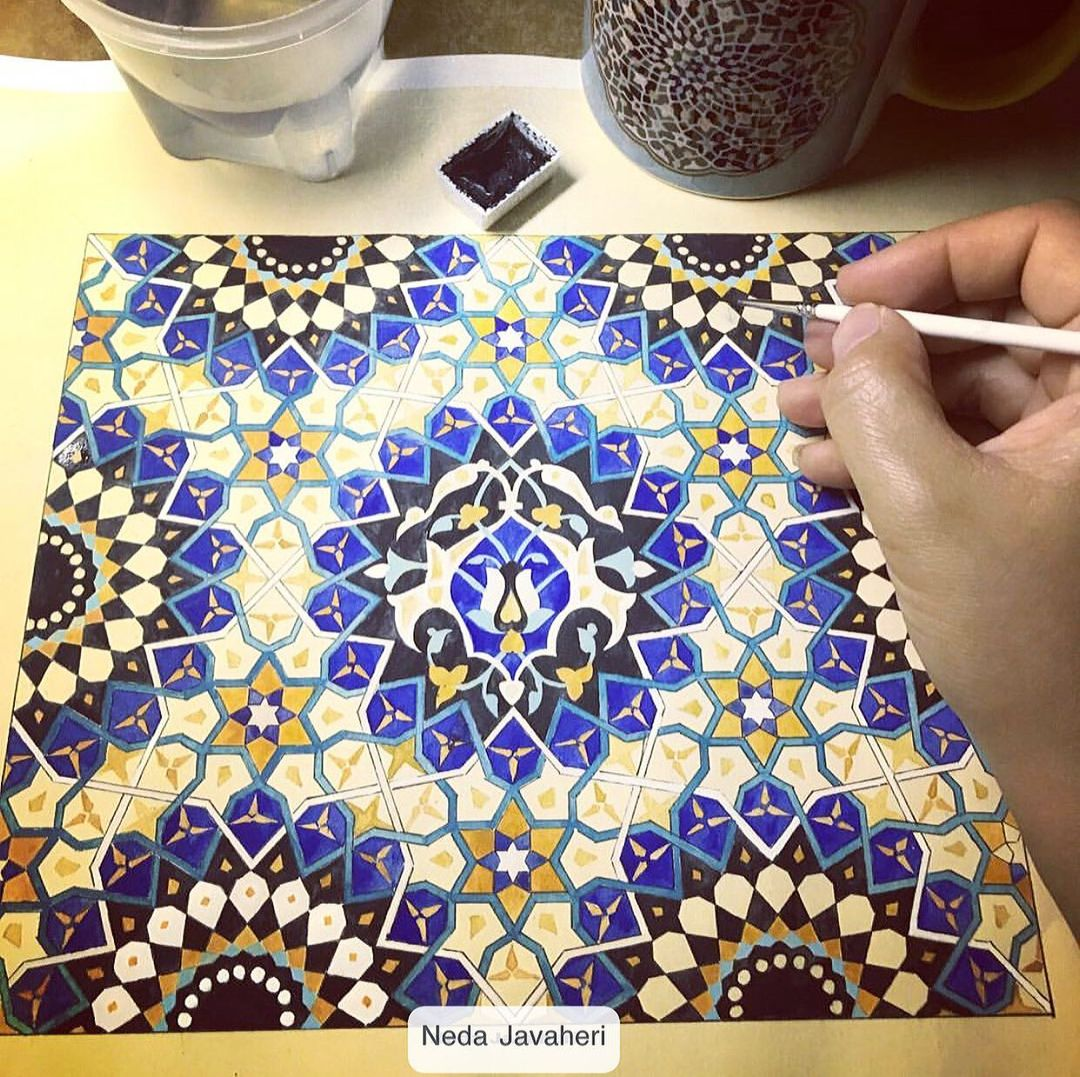 Karya Kaligrafi کلاسهای حضوری هندسه نقوش موزه ملک را همیشه میرفتم.نه بعنوان هنرجو.که اکثر درسها …- Ne Javaher